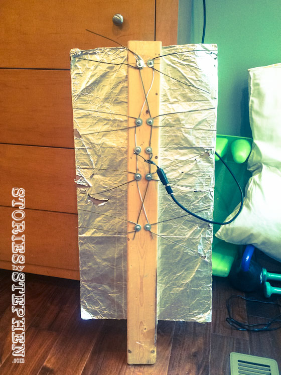 My homemade HD digital antenna that cost less than $10 to build and works better than $50 amplified antennas.