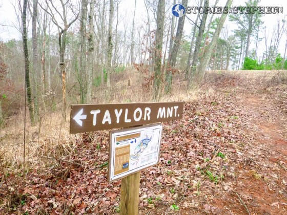 Sign marking the northeast end of the Taylor Mountain Trail where it intersects with the Golf Course Loop.