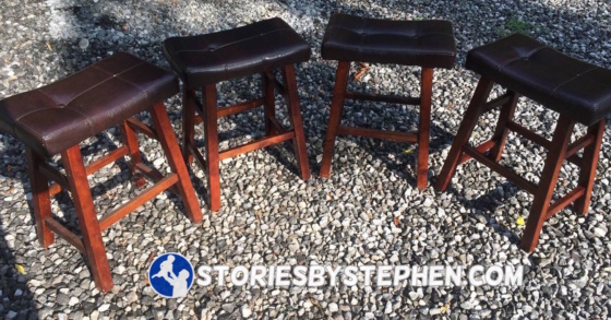 I also got tons of requests for these bar stools. They were one of the 1st items to go, as Theresa's brother-in-law bought them at 6:30 am.